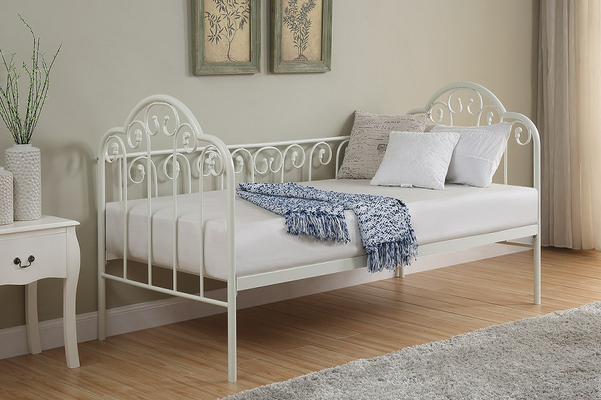 Lilly Vintage Style White Metal Day Bed Single 3ft Crazypricebeds Com
